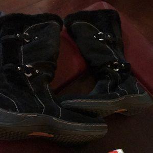 Warm mid calf boot